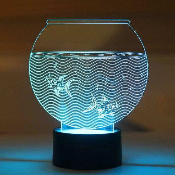 مصباح على شكل حوض سمك