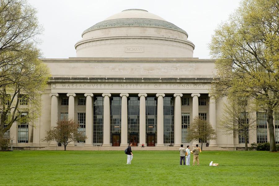 معهد ماسشوستس التقني كامبردج M.I.T Cambridge