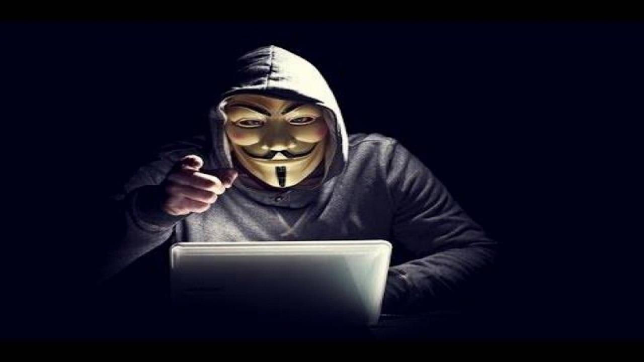 الهاكرز Hackers .. يصنفون حسب ألوان قبعاتهم في عالم الحواسب