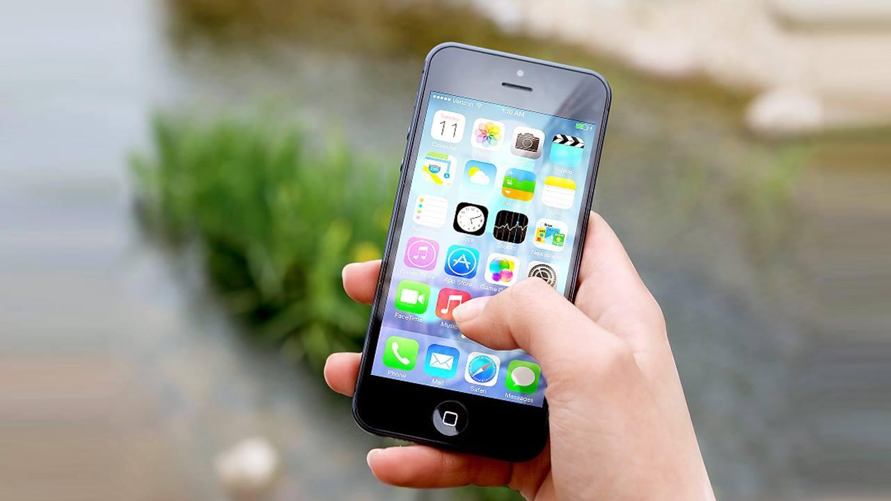 أضرار عمليات النسخ واللصق عبر تطبيقات الهواتف الذكية